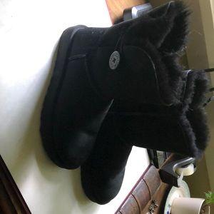 Uggs Bailey Boot-Worn once!